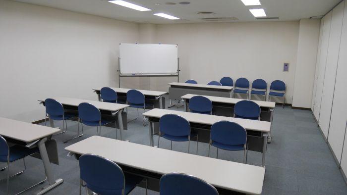 第三会議室内観