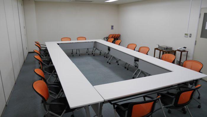 第一会議室内観