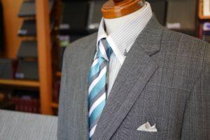 イージーオーダーで仕立てた紳士服の例。